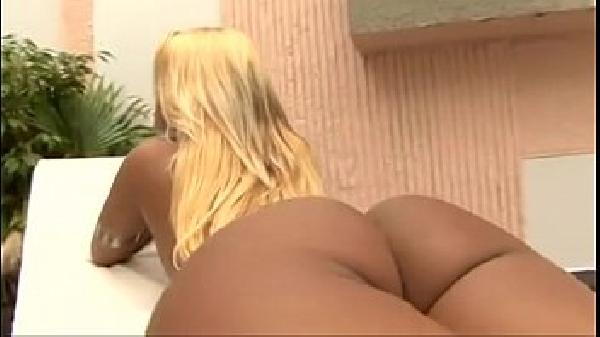 Brasileirinha em video porno de sexo anal FORTE