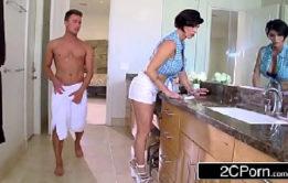 Xtube porno novinha gostosa fodendo com macho dotado
