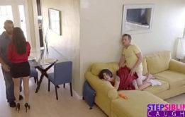 Xtube porno com novinhas gostosas transando em video porno