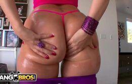 Flagra de sexo em filme porno com novinha gostosa