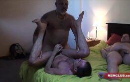 Boa Foda Sexo devassas gays fazendo menage quente